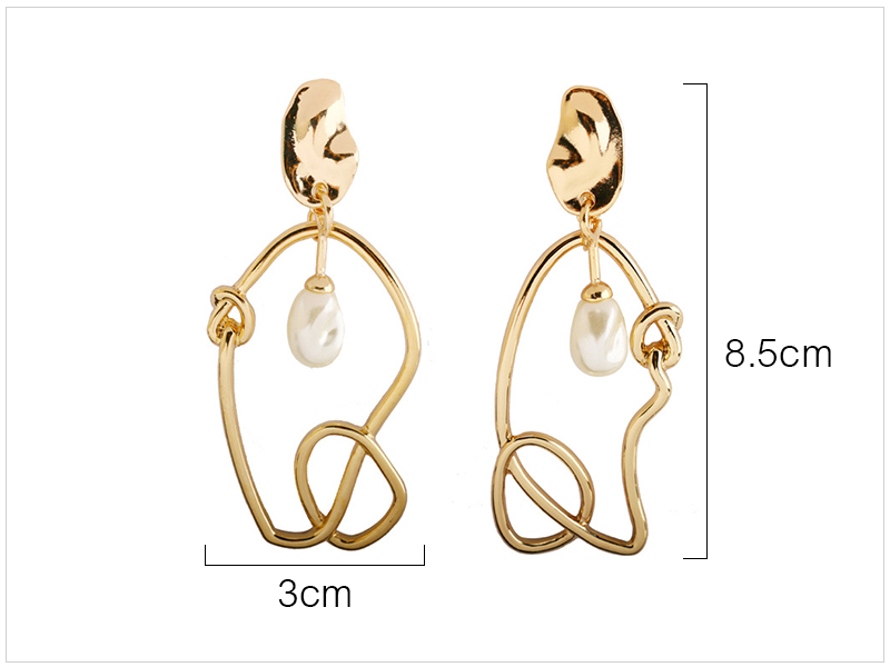 Pearl Earrings (1)