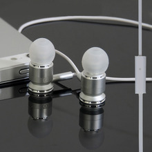 Promotional EIAOSI X6 3 5mm good bass metal in ear earphone with Microphone for iPhone 6