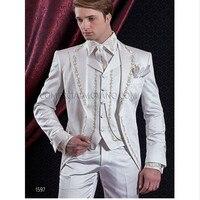 Индивидуальный заказ 2017 белый Для мужчин костюмы с вышивкой Свадебные костюмы для мужчин в стиле смокинга жениха 3 предмета костюм жениха (п