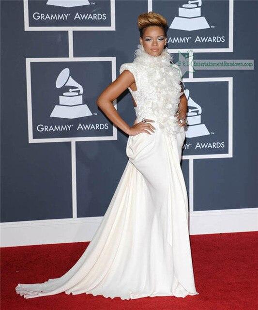 0dd5e5202 Rihanna Cuello Alto Sin Mangas de Flores de Plumas Moldeado Blanco Largo  Vestido de Noche Formal