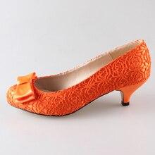 Creativesugar hecho a mano de orange color cordón de la mujer zapatos de novia banquete de boda prom evento bombas resbalón en med tacones bajos colores personalizados