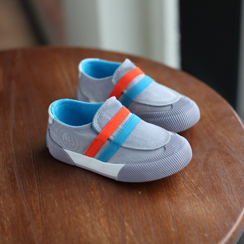 Good shoes for stinky toddler feet? HELP?!?