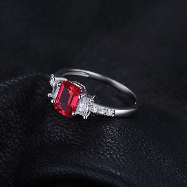JewelryPalace Moderna 4.4ct Taglio Smeraldo Creato Rubino & CZ Anelli di Fidanzamento Per Le Donne del Regalo 925 Sterling Silver Pendenti e Ciondoli Gioielleria Raffinata