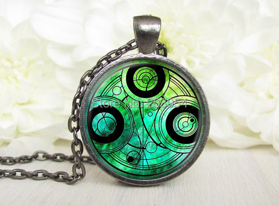 New 2016 Steampunk uk movie dr doctor who green Necklace 1pcs/lot bronze silver Glass Pendant jewelry gift time turner glass usa image