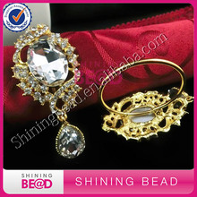 50 шт Золото/серебряные со стразами стекло Кольцо из горного хрусталя для свадебного стола, держатель, юбилейные вечерние, кристаллическое кольцо для салфетки для продажи