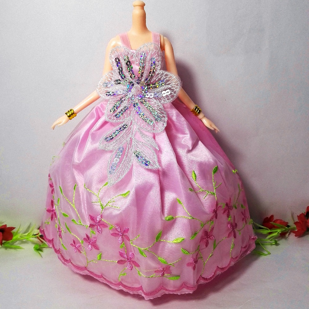One Pcs Princess Doll Wedding ceremony Costume Noble Occasion Robe For Barbie Doll Vogue Design Outfit Finest Reward For Woman' Doll Toys Garments