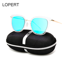 LOPERT 2017 Fashion Cat Eye Sunglasses Women Brand Designer Retro Metal Hollow Female Sun Glasses Oculos