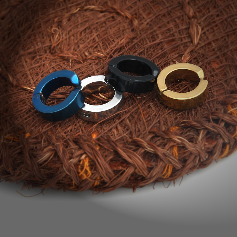 Stylish Colorful Round Ear Clip
