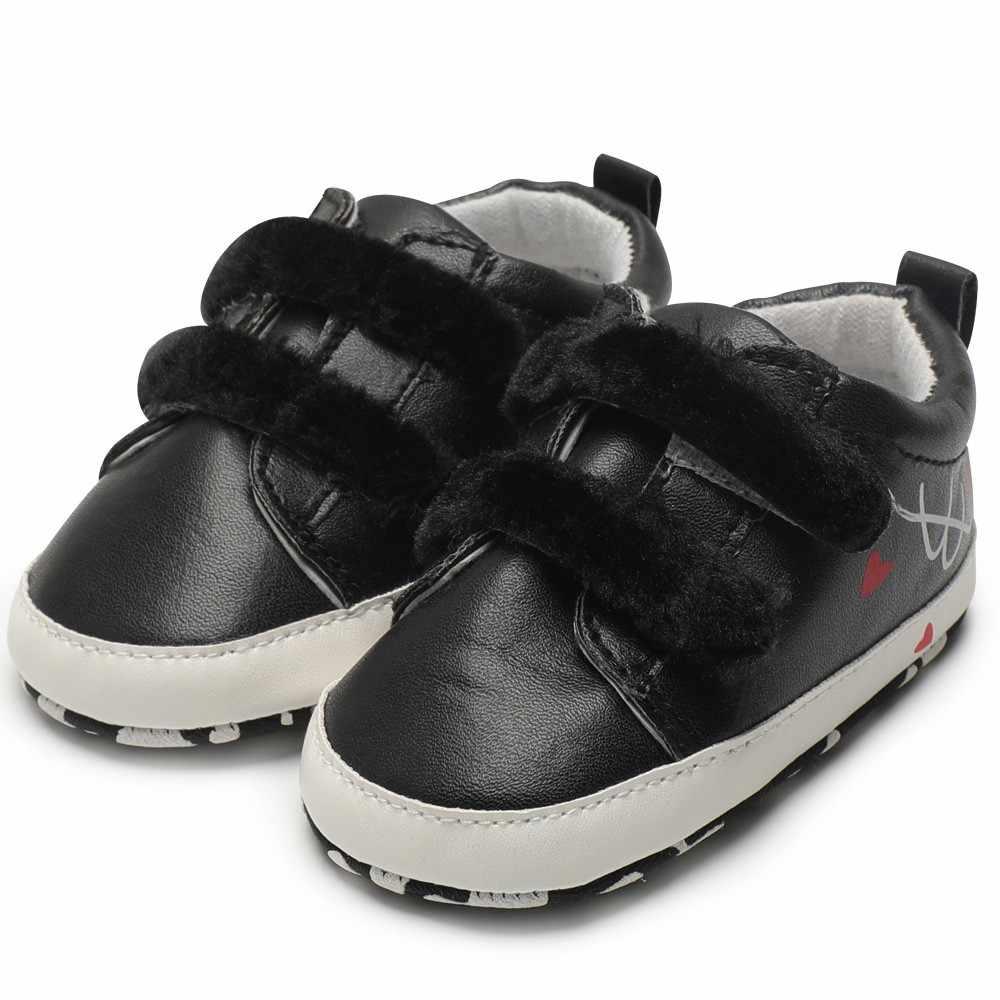 Toddler recién nacido niños bebés niñas niños corazón Graffiti estampado bandada suela suave Zapatos primeros Walkers zapatillas Botas 2018 nuevo # EW