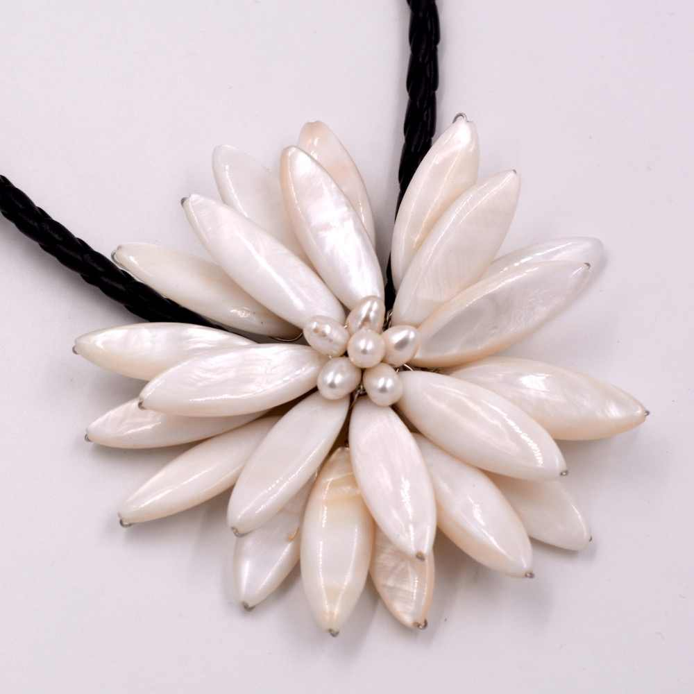 Free Shipping Nice Cultured Pearl white Flower Floral Necklace Handmade for Women Black Leather Choker Bead Jewelery
