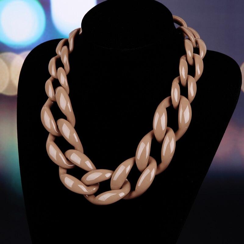 ファッションジュエリーチョーカーネックレスプラスチックチェーンリンクネックレス女性マキシネックレス冬の色