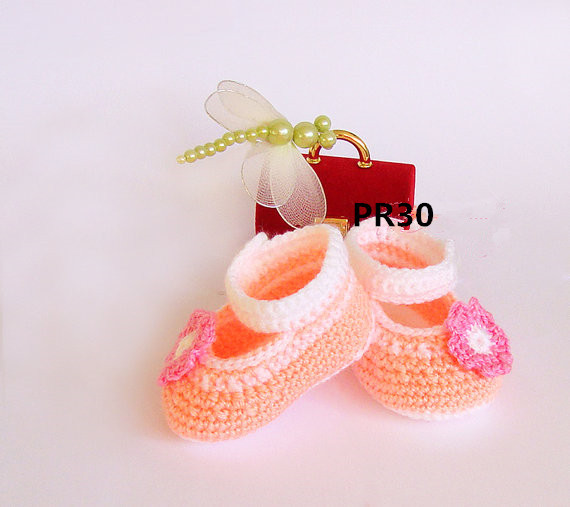 Crochet baby girl shoes Peach handmade Ballerina Newborn Shoes with nice pink flower Slippers