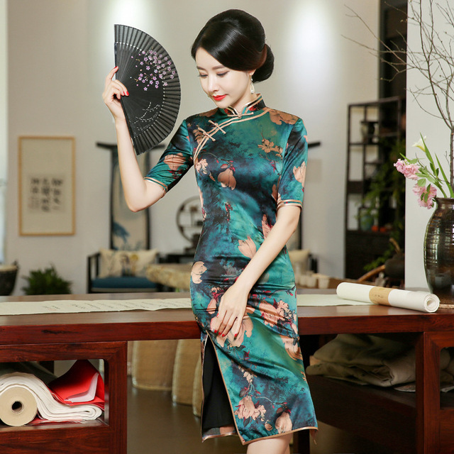 450b1e410 Silk Cheongsams Md-Long Qipao 2017 New fashion Daily Short Sleeve Chinese  Dress Women Elegant Banquet Dresses Vestidos WX266