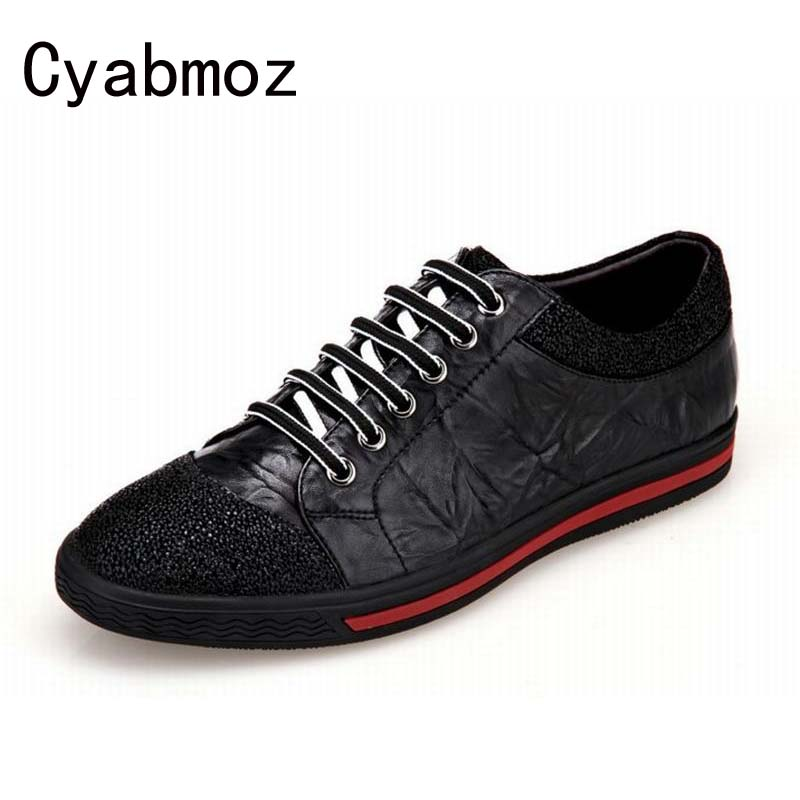 цена High Quality Fashion Genuine Leather Formal Brand Man Casual Shoes Luxury Men Dress Vintage Rubber Shoes Comfortable Drive Shoes онлайн в 2017 году