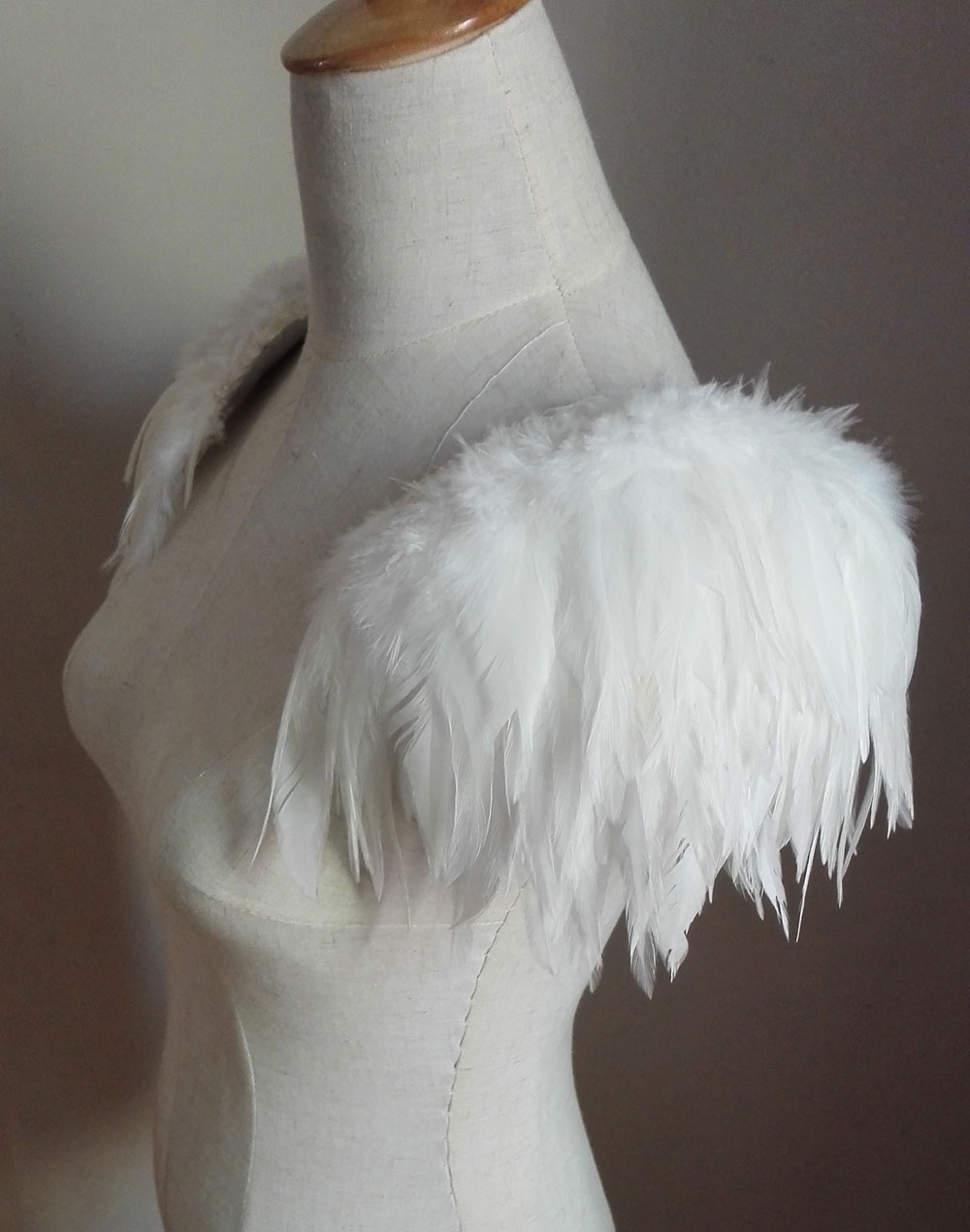 Free shipping, handmade ivory  feather shoulder epaulette #FSP15007