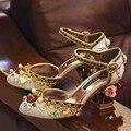 Luxo Retro Veludo Mary Janes Ouro Laciness Flor Gems Embellished Gaiola de Salto das Mulheres Sapatos de Festa