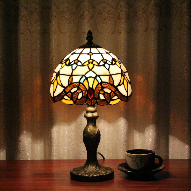 Tiffany Table Lamp Classic 20cm European Baroque Stained Glass Abajur Bedroom Decoration Lighting E27 110-240V  Led table lamps j425 to 220f