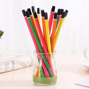 Image 3 - 100 sztuk drewniany ołówek cukierki kolor trójkąta ołówki z gumką śliczne dzieci szkoła materiały biurowe do pisania ołówek grafitowy