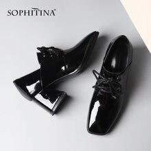 Женские туфли лодочки из лакированной кожи на высоком квадратном