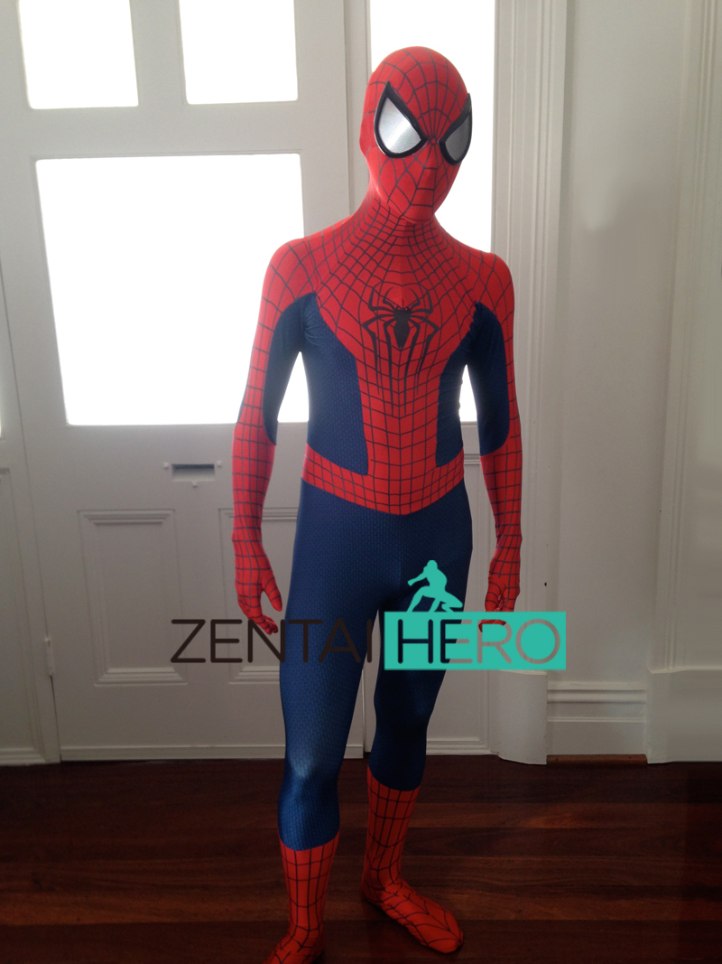 Spider-Man movie costumes come in many different shapes and sizes, such as those worn in Sam Raimi's movie starring Tobey Maguire. If spandex sounds a little too adventurous, you can also buy Spider-Man muscle costumes, perfect for faking Spidey's bulging muscles.