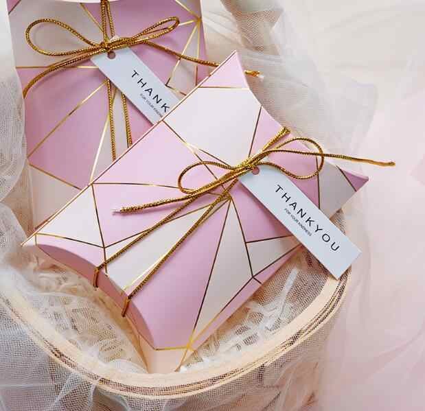 d5f9eaae5f52 50pcs Pink / Bue Pillow Style Wedding Favors Candy Boxes Party Gift ...