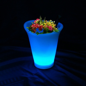 D25*W21*H28cm LED Flower Planter 16 colour change rechargeable remote control LED Glowing ice bucket Pot SK-LF07 skybesstech 1pc classic plastic pe outdoor waterproof led floor lamp remote control rechargeable led glowing flower pot floor boughpot