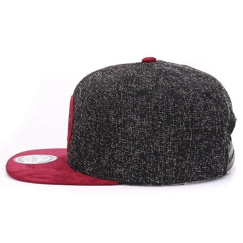 Aliexpress.com  Comprar Calidad del casquillo del Snapback triángulo  redondo bordado marca plana gorra de béisbol de ala de la Juventud de hip  hop gorra y ... adb0985dd37