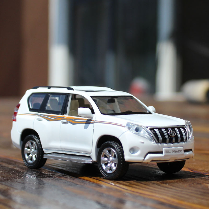 Electric Collectible Alloy Scale Car Models Die-cast coche carro Toys for Children mkd2 1:32 auto Vehicle Toyota Prado