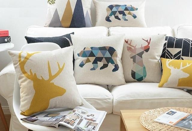 Nordic geometrische driehoeken herten elanden olifant beer kussens