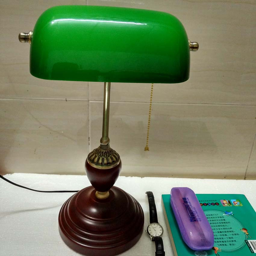 Classic Retro Green table lamps with pull chain switch glass lampshade wood Bracket bedroom bedside office vintage desk lamps vintage handmade art retro wood tripod table lamps desk light searchlight alumnum metal copper lampshade nordic design tll 4