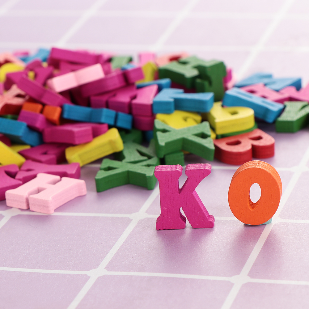 100Pcs/Pack Hot Colorful Wooden Letters Wooden Alphabet Wall Decorative DIY Scrapbooking For Home And Party Decoration