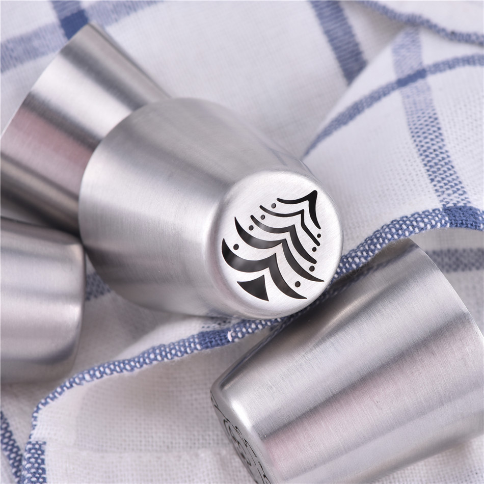 DIY Stainless Steel Christmas Tree Cake Nozzles Russian Icing Piping Nozzle Fondant Cake Decorating Tools Cakes Mold Pastry Tips in Baking Pastry Tools from Home Garden