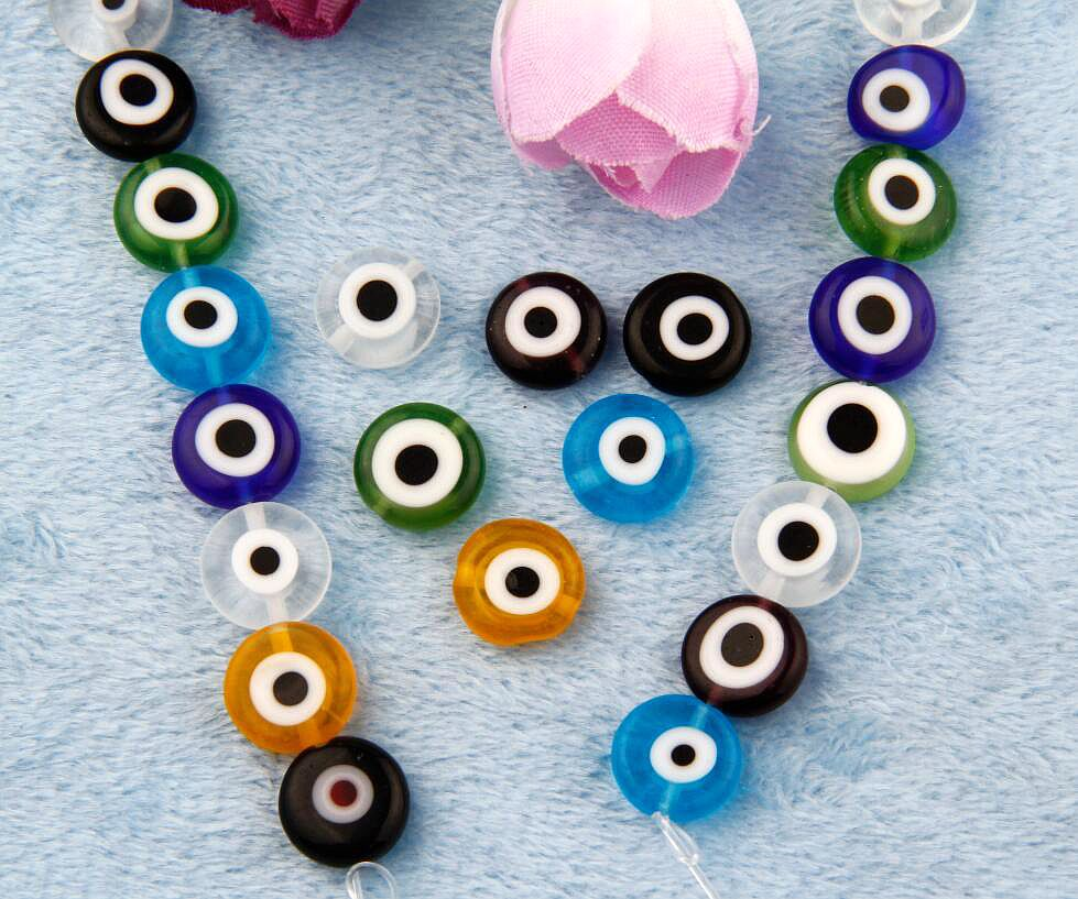2017 Chaude 120 PCS Mélange Oblat Crystal Eye Petit Trous Perles Charme  Résultats de Bijoux de Mode Bijou Pour Bracelet Pour Les Femmes H951 d4e93bfecb90