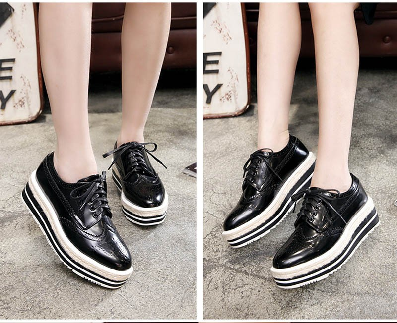 Vintage Women Brogue Shoes Lace Up Hemp Thick Bottom Oxfords Shoes For Women Mirror Patent Creepers Ladies Flat Platform Shoes (1)