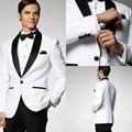 Jaqueta branca Com Cetim Preto Xaile Lapela Do Noivo Smoking Padrinhos Best Man Suit Men Casamento Ternos (Jacket + Pants + Gravata borboleta)