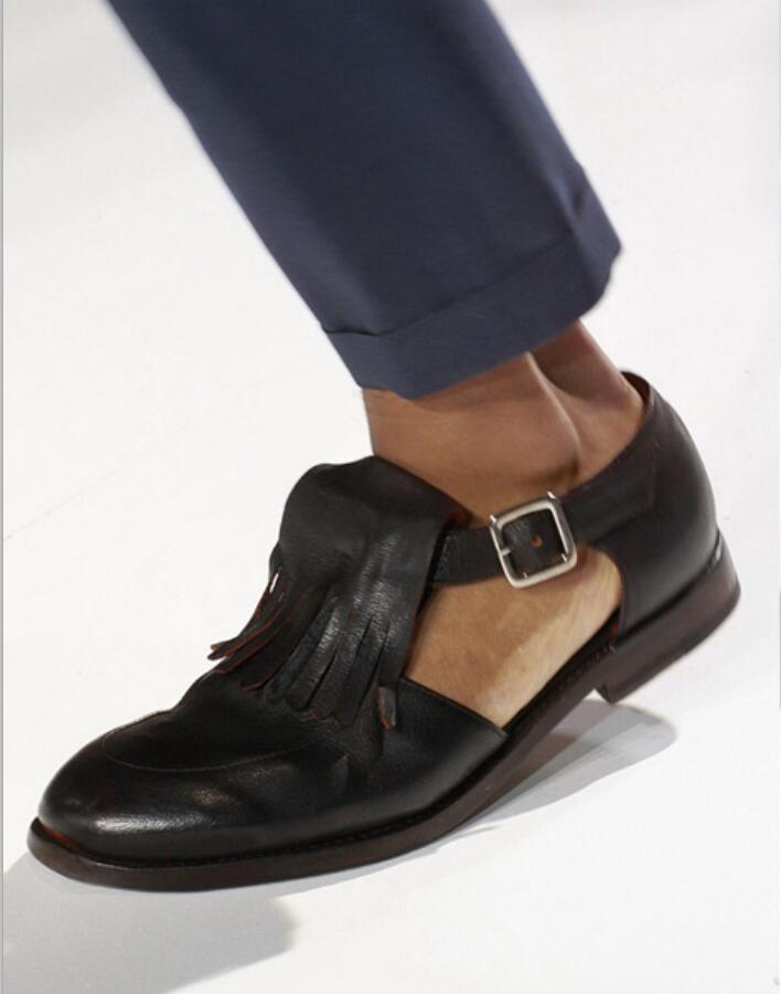 Mens Handmade Genuine Leather Gladiator Sandals Summer Fashion Fringe Male Sandals Shoes Runway Man Tassels Cutout Sapatos