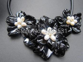 New Arriver Fashion Flower Jewelry Handmade White Pearls Black Mother Of Pearl Shell Flower Necklace - Free Shipping