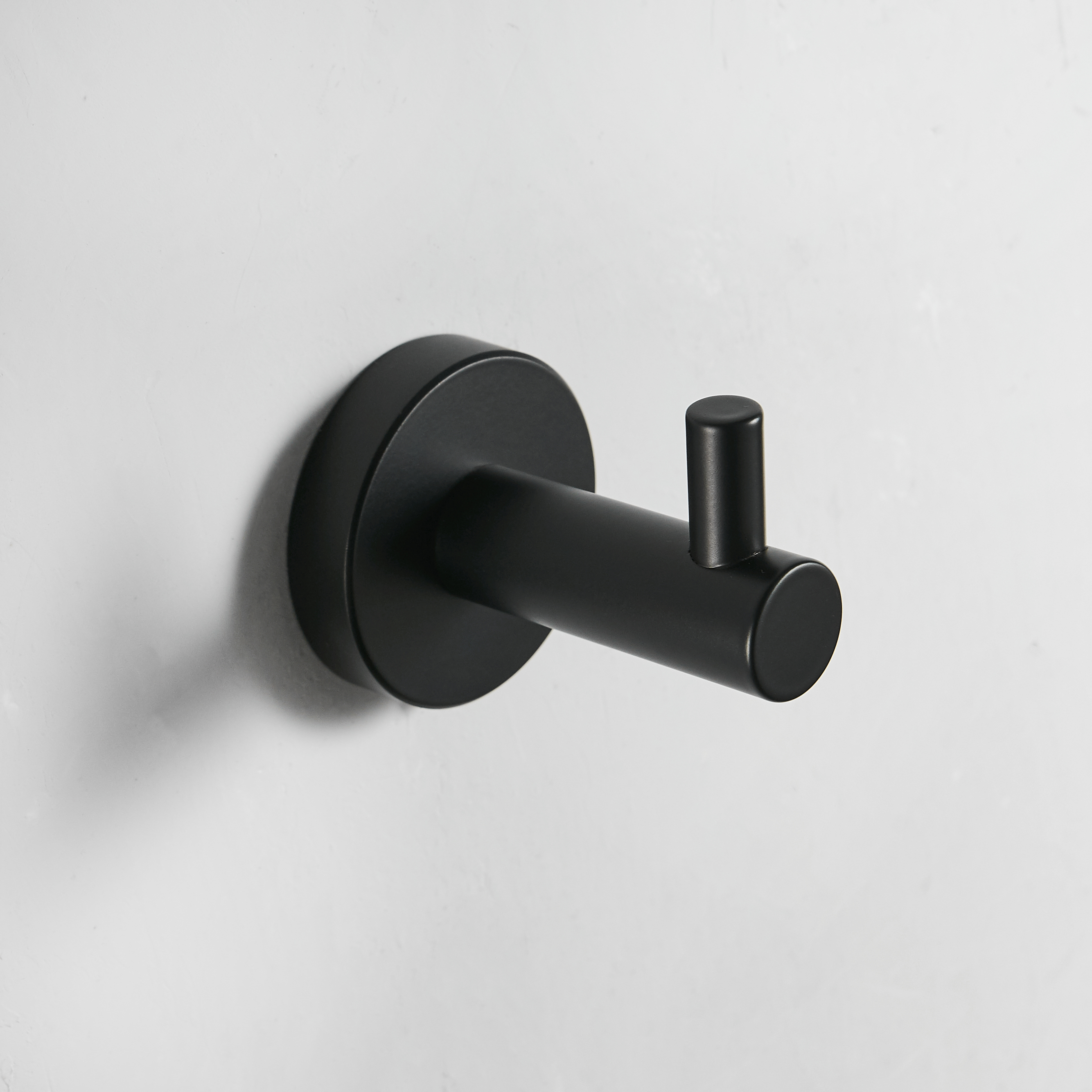 Robe Hooks Black Hook On The Wall Bathroom Hangings Towel Rack European Style Clothes Hook Bedroom Door Hooks