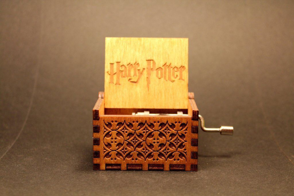 2017-Newest-Hand-Crank-Harry-Potter-GAME-OF-THRONES-Theme-Wooden-Music-Box-Free-Gifts-Interesting-Toys-Kid-Xmas-Gifts-4