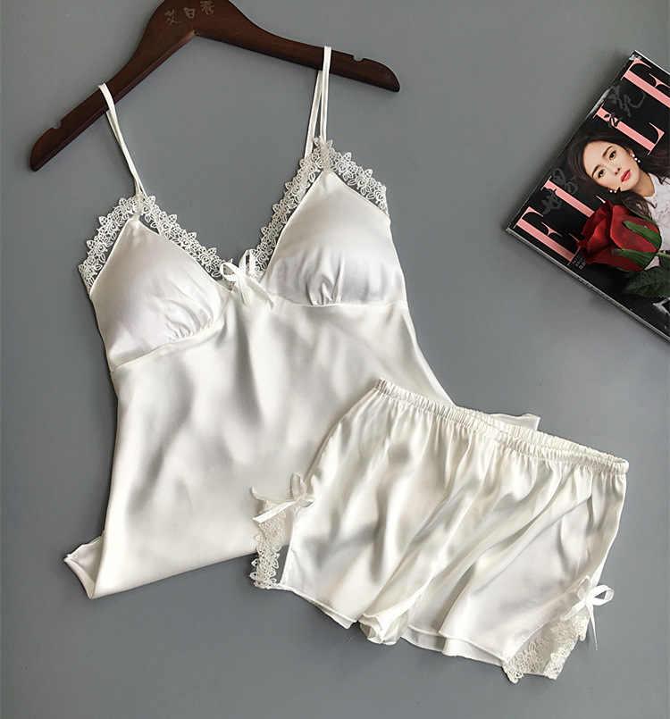 0ffef8284717 ... QWEEK атласные пижамы комплект из двух предметов для женщин шелковые  груди Pad ночное белье 2019 Лето ...