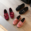 2017 primavera nueva moda de cuero borlas girls school shoes cómodo niños inferiores suaves planas shoes tacones fiesta infantil niñas