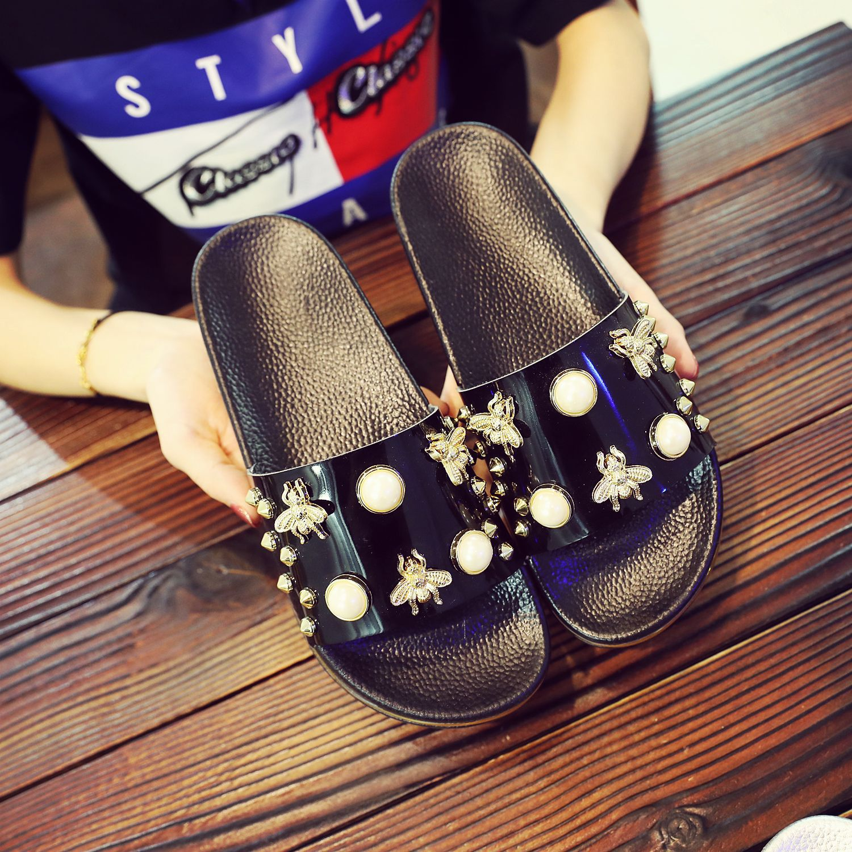 New Women Slippers Flat Casual Women Shoes Slip On Slides Beach Slippers Flip Flops Sandals Fashion Rivet Pearl Slipper