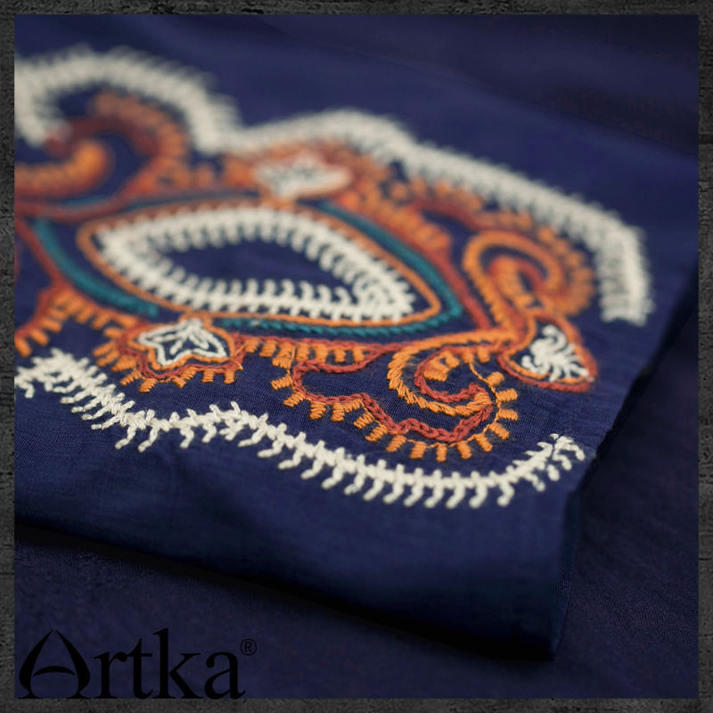 Artka Women Bohemian Straight Dress Embroidery Design Solid Color