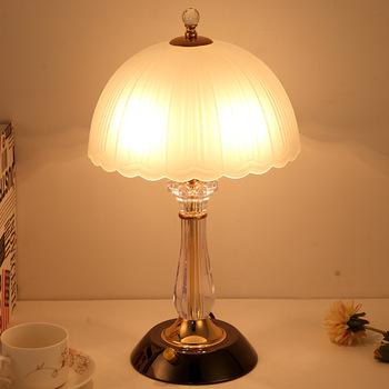 Nowoczesna sypialnia stolik nocny lampa europejska ciepła jasna szklana lampa stołowa stół do pokoju dziennego lampa biurkowa lampy Home Deco tanie i dobre opinie TUDA Żarówki LED 220 v Szkło 21-30 w Pokrętło Brak Wiszący Szkło matowe 1 year szklany kamień Jasne Platerowane