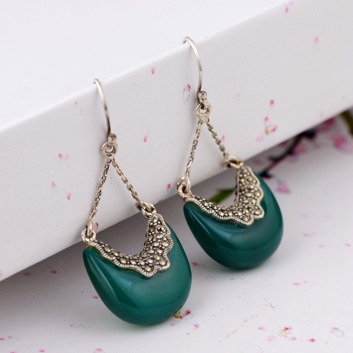 Silver Earrings Wholesale S925 Pure Silver Inlay Green Agate Earrings Antique Female Of Chalcedony Design New Products s925 pure silver personality female models new beeswax