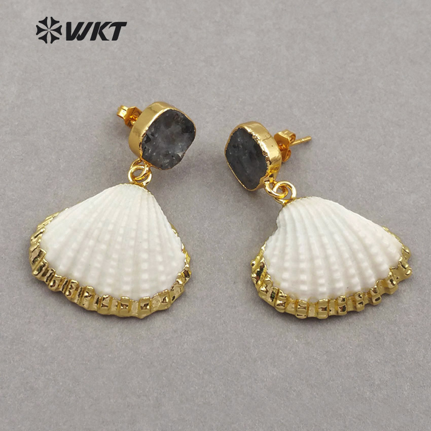 WT E452 Wholesale Unique black labradorite studs with scallop shell Earrings with stone Elegant Drop Earrings