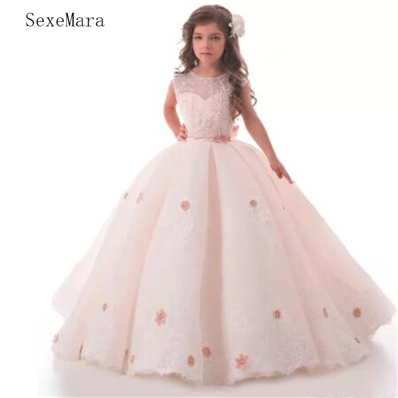 Light Blush Pink   Flower     Girl     Dresses   For Wedding with Lace Applique First Communion   Dress   with 3D Floral Appliques Princess Gown