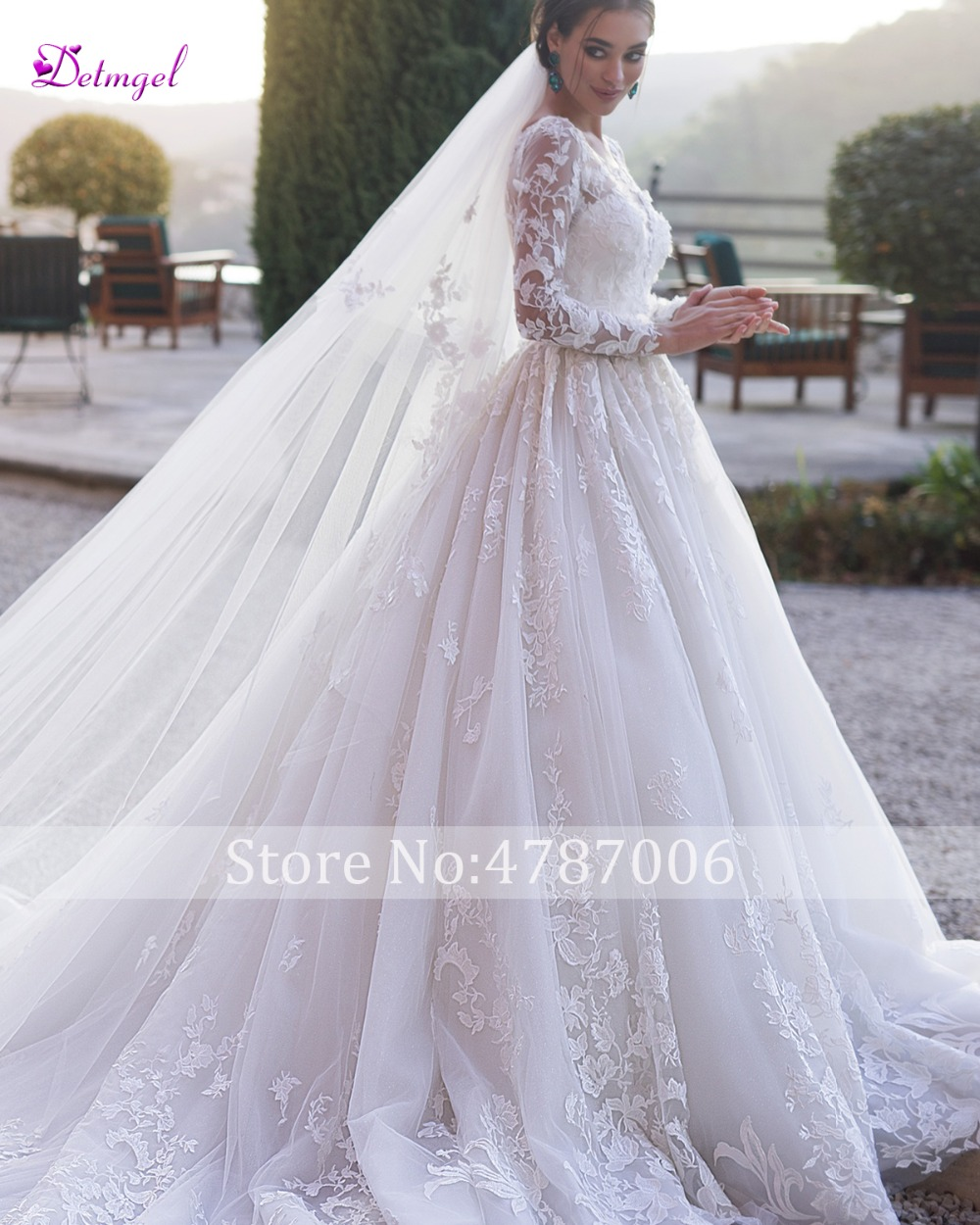 Gorgeous Appliques Chapel Train Ball Gown Wedding Dress 2019 Scoop Neck Beaded Long Sleeve Flowers Princess Bride Gown Plus Size