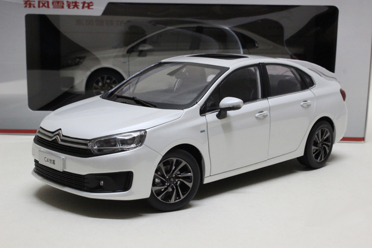 1:18 Diecast Model for Citroen C4 Shijia 2016 White Sedan Alloy Toy Car Collection Gifts 1 18 diecast model for buick lacrosse black classic sedan alloy toy car collection gifts