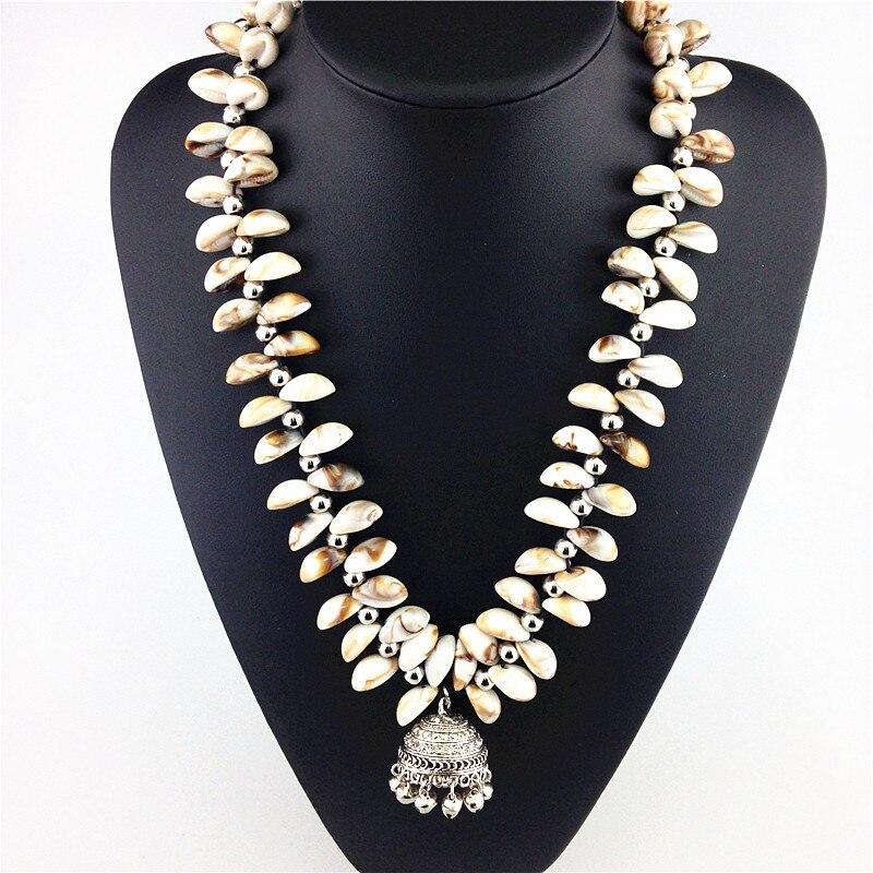 Prix pour 2015 Haute Qualité Mode De Coquille De Résine Collier Bijoux Bib Chunky Choker Perles Colliers et Pendentif Petite Cloche Déclaration Collier